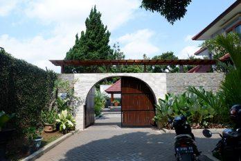 Villa Kusuma Batu, Penginapan Harga Murah Fasilitas Lengkap